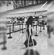 #15 Elodie en partance pour Boston, jamais sans son sac XVDUB !